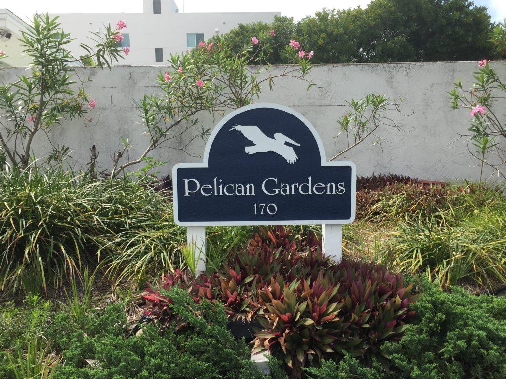 Pelican Gardens Photos - VacationFLA.com